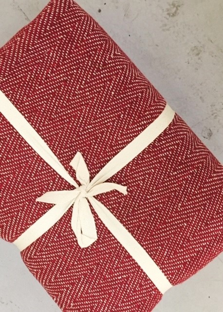 The Home Furnishings Company 100% Cotton Red and Natural Herringbone Giant Throw - to suit all sofas chairs and beds