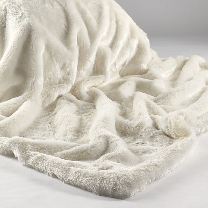 The Home Furnishings Company Cream Plush Luxury Faux Fur Throw 140x240cms