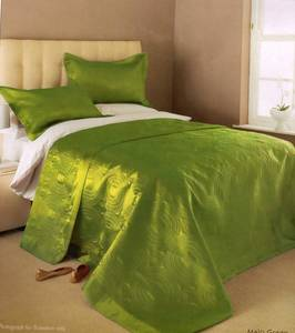 The Home Furnishings Company GREEN SATIN DOUBLE/KINGSIZE BEDSPREAD 230X260CMS INCLUDING 2 PILLOW SHAMS
