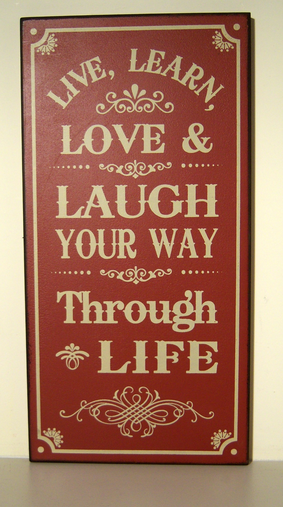 The Home Furnishings Company VINTAGE STLYE WOODEN  WALL PLAQUE/HANGING SIGN 'LIVE, LEARN, LOVE & LAUGH ...'