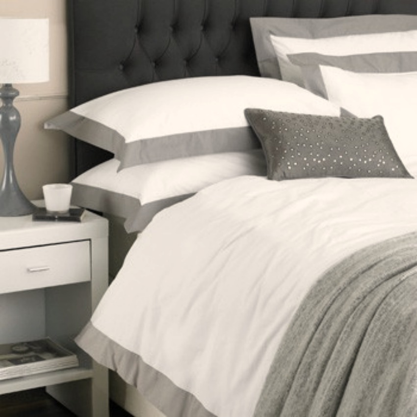 The Home Furnishings Company 100% Cotton Harvard White and Mocha Double Size Duvet Cover and 2 Pillow Cases