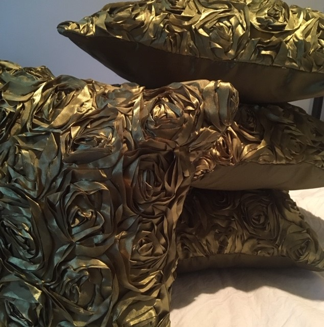 The Home Furnishings Company Gold Rose Tafffeta Cushion Coverss - Set of 4 now only £12.99