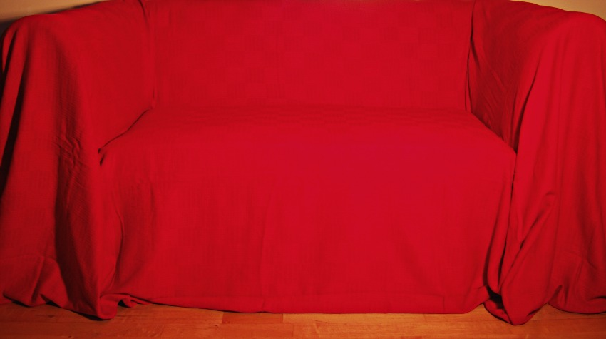 The Home Furnishings Company 100% Cotton Red Giant Throw 259x394 cms - ideal for extra large 3 and 4 seater sofas