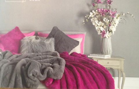 The Home Furnishings Company Luxury Faux Fur Magenta VIvid Pink Throw with Hot Pink Faux Suede Reverse 140x180cms
