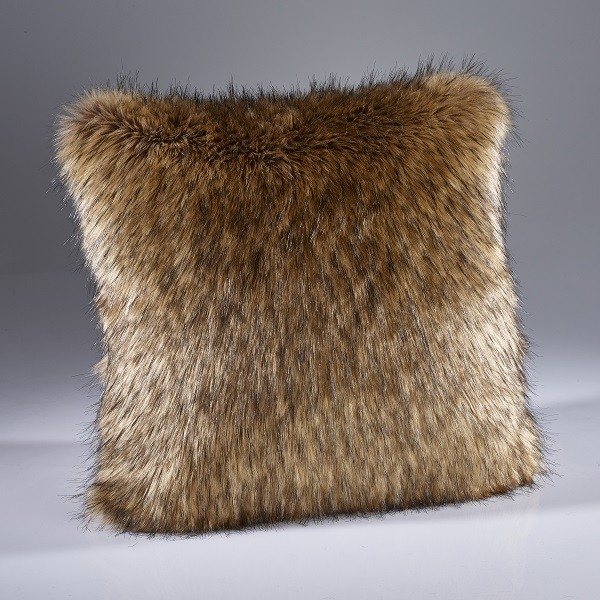 The Home Furnishings Company Brown Wolf Luxury Faux Fur Throw and Cushons