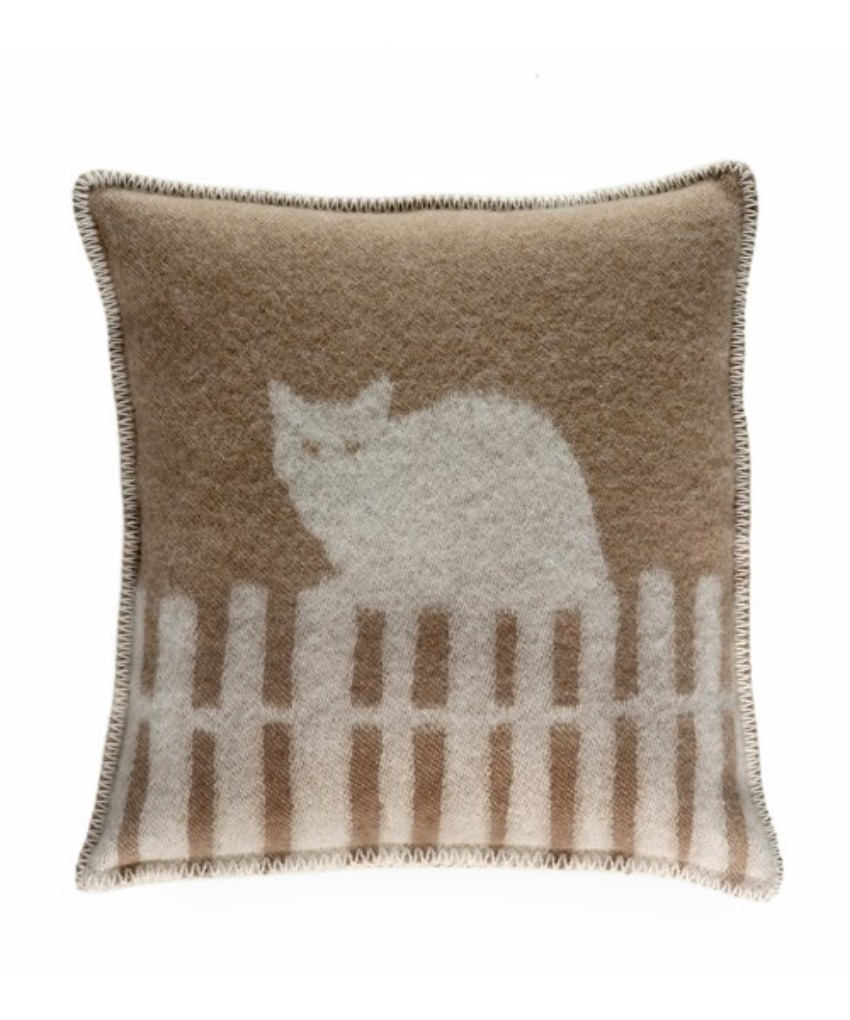 The Home Furnishings Company 100% New Zealand Wool Miau Cat Cushion in brown size 45x45 cms